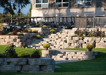 Story: Outcropping for Golf Course Weddings